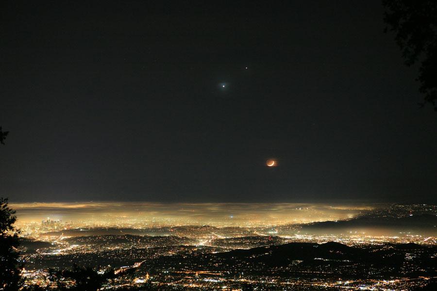 Céu alegre em Los Angeles – © Dave Jurasevich do Observatório Monte Wilson {2}