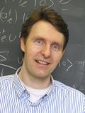Achim Kempf da Universidade de Waterloo é físico-matemático que tem trabalhado nas questões associadas a teoria da informação, teoria quântica e relatividade geral.