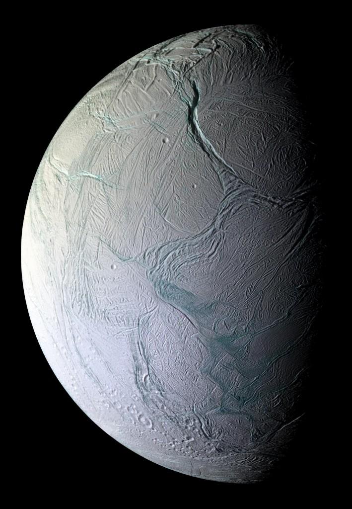 Mosaico da lua Enceladus a partir de imagens obtidas pela sonda Cassini