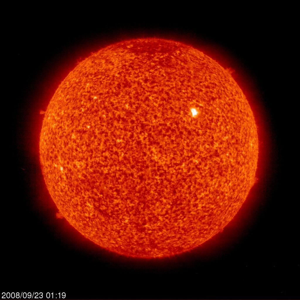 A região ativa 1002 (em branco, a nordeste do centro) - crédito: SOHO, EIT, ESA, NASA, APOD {1}