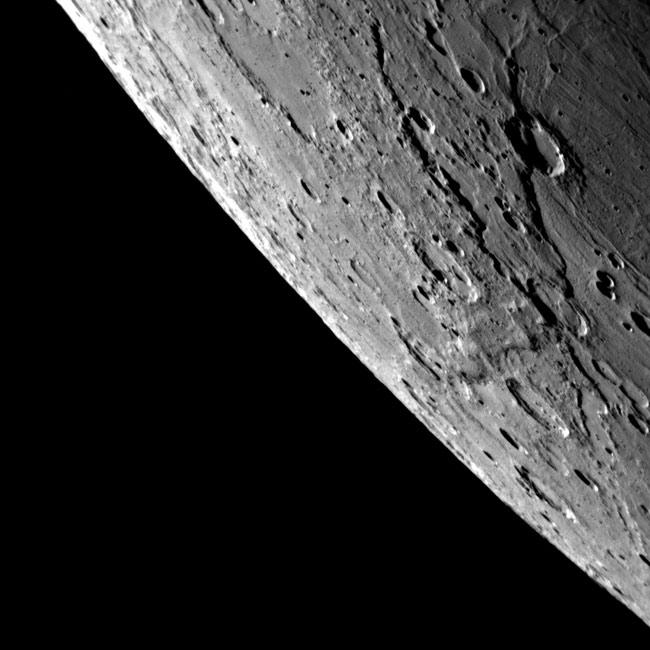A Messenger mostrou-nos detalhes nunca antes vistos de Mercúrio - Crédito: NASA / JHUAPL / CIW