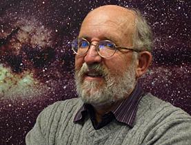 Michel Mayor é o astrônomo suíço que em 1995 junto com Didier Queloz descobriu o primeiro planeta extra-solar, 51 Pegasi b, através do método de velocidade radial no Observatório de Genebra.