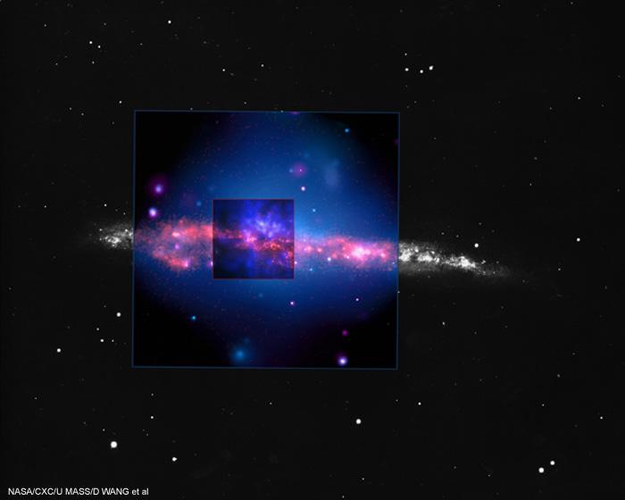NGC 4631: mosaico em preto e branco, ultravioleta (Ultraviolet Imaging Telescope) e raios-X (Chandra)
