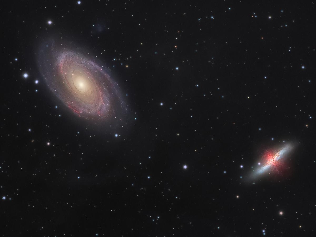 Guerra galáctica: M81 versus M82 - Crédito: Rainer Zmaritsch & Alexander Gross