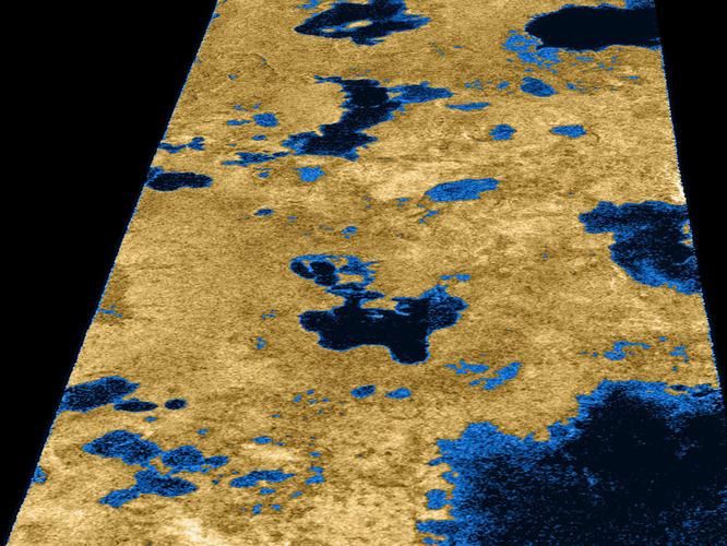 Esta imagem de Titã feita por radar foi feita pela Cassini em julho de 2006 fornece evidências convincentes que Titã está coberta por largas áreas líquidas. Crédito: NASA/JPL/Space Science Institute