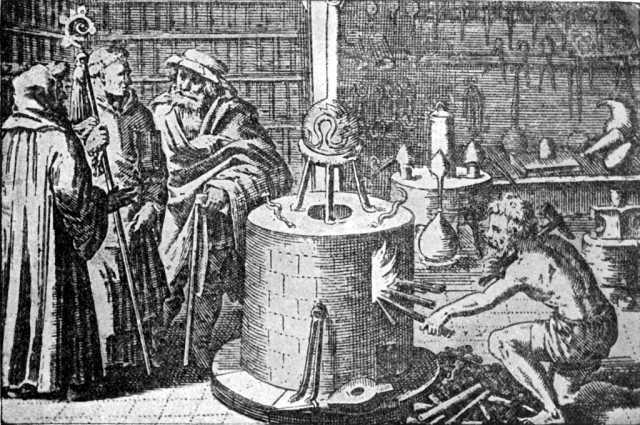 Para a alquimia, transmutação é a conversão de um elemento químico em outro. Este conceito é também aplicado com características próprias na genética e na física nuclear. Desde os primórdios da alquimia ocidental, acreditava-se que era possível a transmutação de metais vis - como o chumbo, antimônio e bismuto (apesar de não os distinguir como elementos distintos) - em metais nobres - como a prata e principalmente o ouro. Em geral, especialmente ao longo de sua evolução, isso era tomado tanto em um sentido material como espiritual. Com o florescimento do conhecimento científico, constatou-se que a transmutação alquímica, conforme defendida pelos alquimistas, é improvada. Por outro lado, este fenômeno ocorre na natureza espontaneamente quando certos elementos químicos e isótopos possuem núcleos instáveis. Em tais elementos, se produzem fenômenos de fissão nuclear , que se transformam em novos elementos de números atômicos inferiores, até que os seus núcleos se tornem estáveis ( geralmente adquirindo a estabilidade do chumbo ). O fenômeno contrário, a transmutação em elementos de números atômicos maiores, dá-se em temperaturas elevadas, como as que são registradas no sol. Este processo é denominado de fusão nuclear. Estes processos naturais podem ser produzidos pelo homem. Já foi realizada a transmutação de chumbo à ouro, retirando 3 prótons e 8 neutrons por meio de bombeamento em aceleradores de partículas.