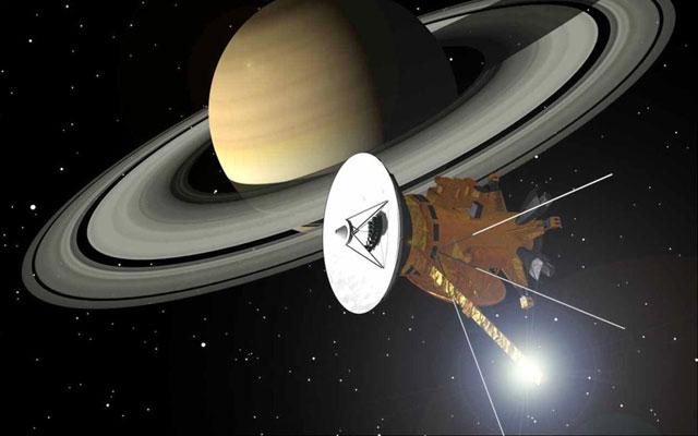 A sonda robótica Cassini há 5 anos investiga Saturno e suas luas