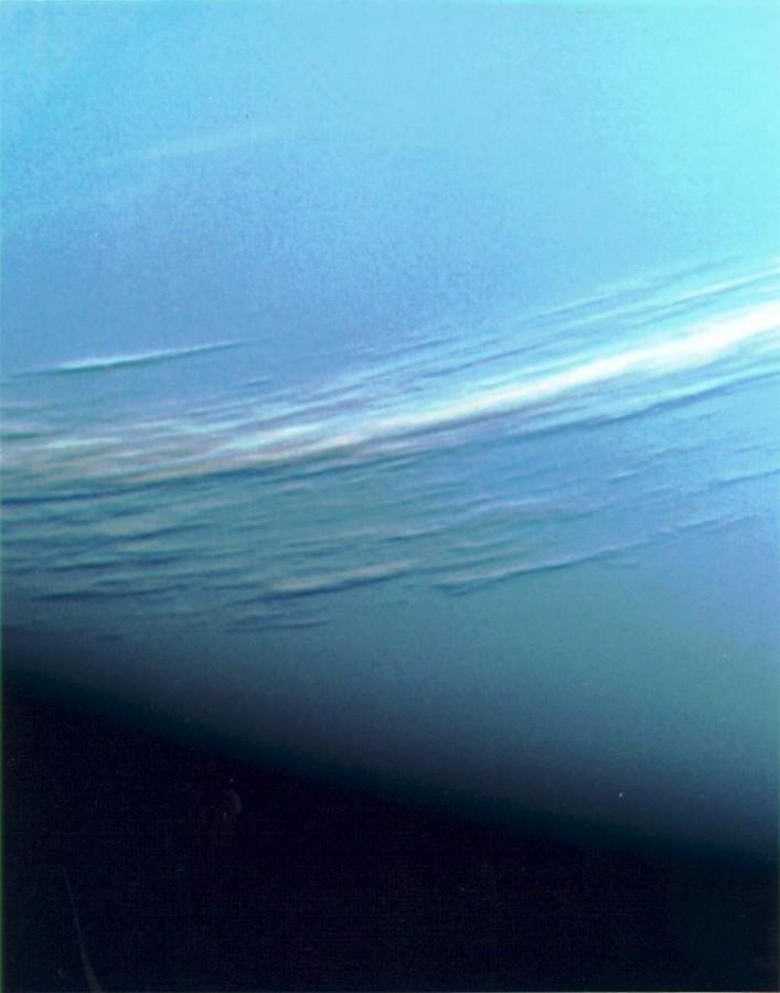 As nuvens de Netuno segundo a Voyager 2