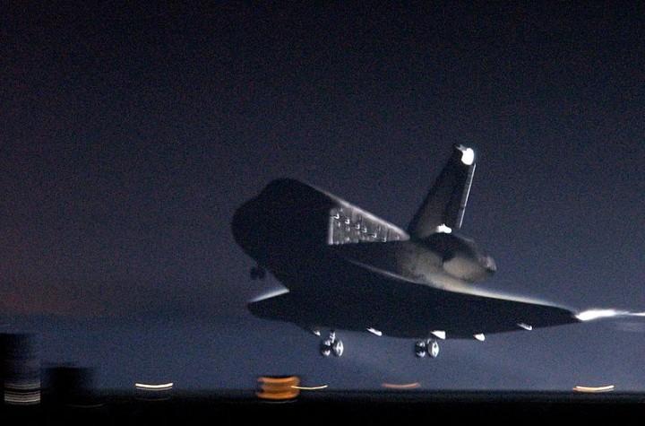 O pouso da Columbia na missão STS 109, a última