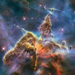 Hubble celebra seu 20º aniversário revelando fantásticas imagens de épicas montanhas espaciais na nebulosa Carina