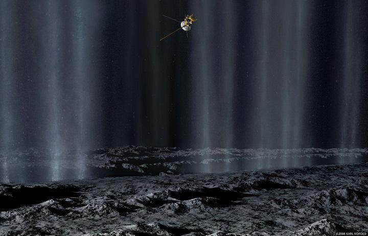 Cassini em flyby sobre Enceladus para investigar as plumas emitidas pelos gêiseres encontrados em suas fissuras na região próxima ao pólo sul. Crédito © 2008: Karl Kofoed/NASA