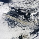 A Terra vista do espaço: as cinzas do vulcão Eyjafjallajökull da Islândia bloqueiam o espaço aéreo norte-europeu