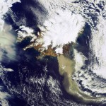 O satélite Envisat da ESA monitora o vulcão Eyjafjallajökull na Islândia