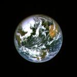 19 de maio de 2004 – O vôo rasante da Hayabusa sobre a Terra