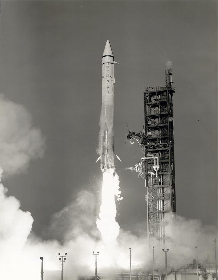 Lançamento do foguete Atlas I CENTAUR que levou a sonda Mariner 9