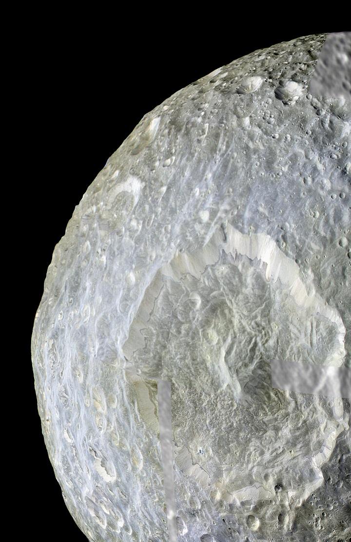 PIA12572_cratera_Herschel_em_Mimas_lua_de_Saturno_Cassini_2010