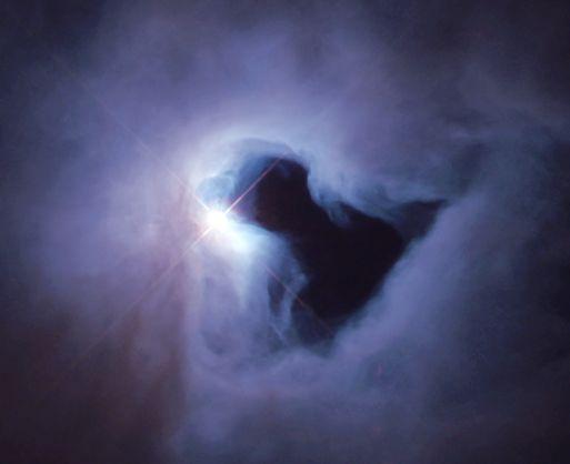 Nesta imagem capturada pelo Hubble vemos um close-up do autêntico buraco da NGC 1999. Crédito: Hubble Heritage Team (STScI) e NASA