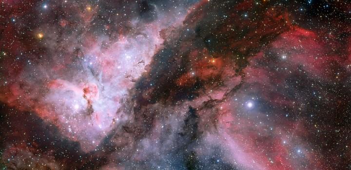 Visão panorâmica da nebulosa Carina. Clique na imagem para acessar as versões em alta resolução no site do ESO. Crédito: ESO