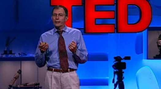 Dimitar Sasselov falando no TED em julho de 2010