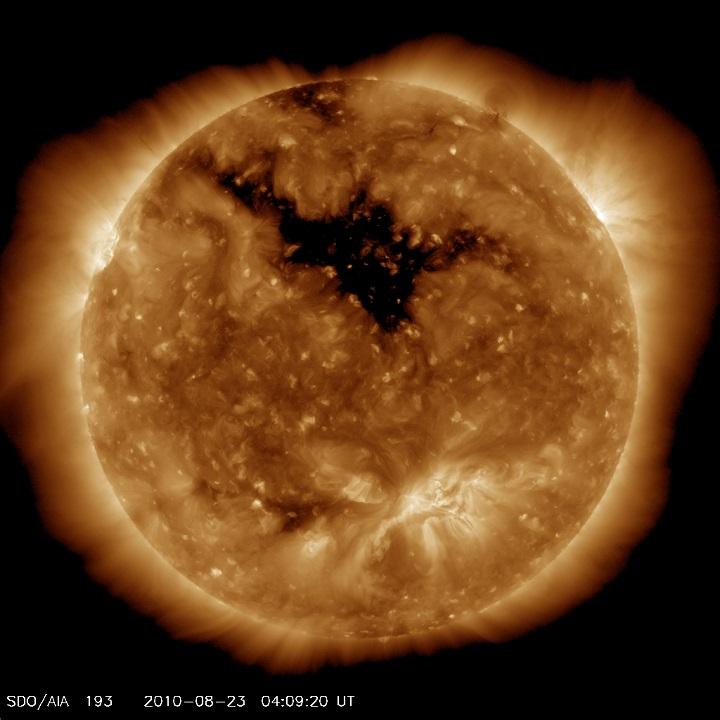 http://www.spaceweather.com/images2010/23aug10/coronalhole_sdo_blank.jpg?PHPSESSID=b24925irueph53prkhavudc3p1