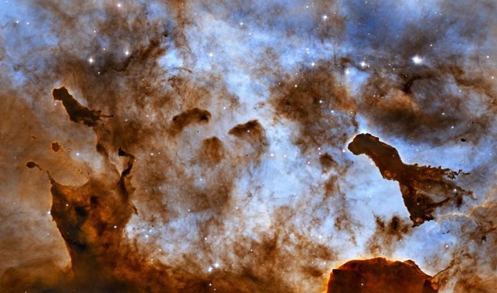 Figuras obscuras na Nebulosa Carina. Créditos: NASA, ESA, et al., & Hubble Heritage Team (STScI/AURA); Agradecimentos: M. Livio (STScI) & N. Smith(UC Berkeley)