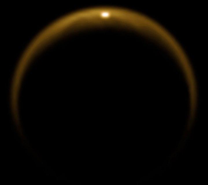 PIA12481 - reflexo do Sol em Titã detectado pela sonda Cassini