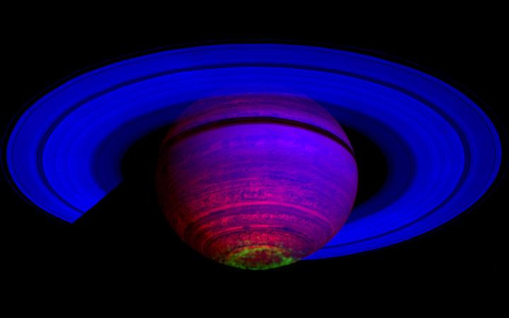 Auroras dançantes em Saturno capturadas pela sonda Cassini. Crédito: VIMS Team, JPL, ESA, NASA