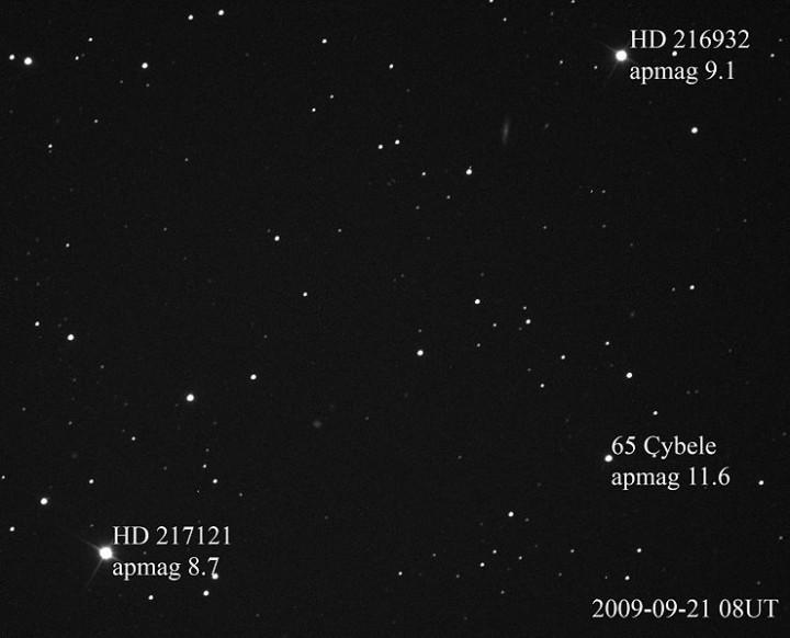 Foto do asteróide 65 Cybele de setembro de 2009 mostra uma magnitude aparente de +11,6. Crédito: Kevin Heider