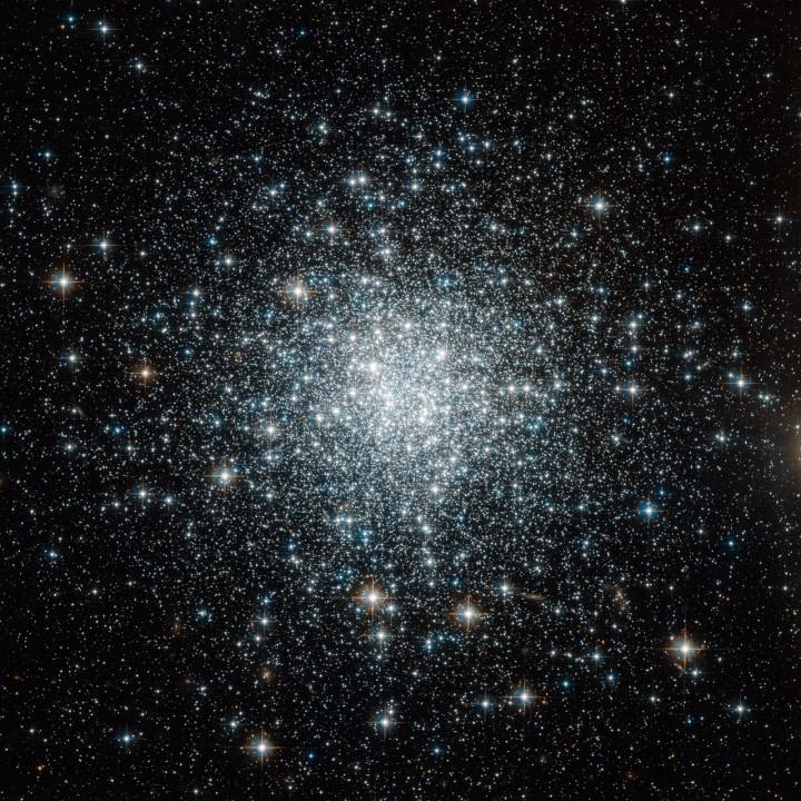 O aglomerado globular NGC 6934 capturado pelo Hubble Space Telescope. Crédito: NASA/STScI/WikiSky