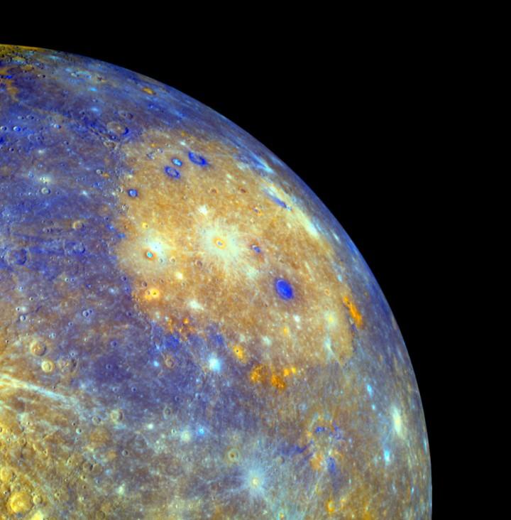A Bacia Caloris em Mercúrio em destaque. Crédito: NASA/Messenger