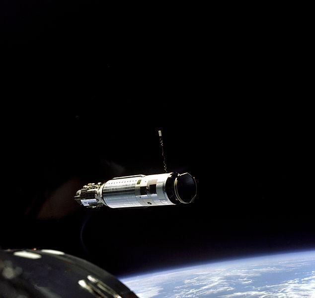 Agena vista da Gemini VIII antes do acoplamento de 1966