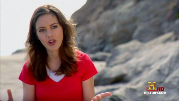 """Amy Mainzer em uma de suas oportunas apresentações na série """"O Universo"""" do canal History."""