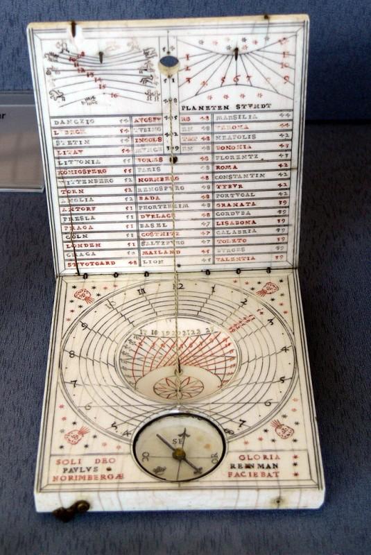 Relógio solar portátil, uma invenção de Georg Peuerbach