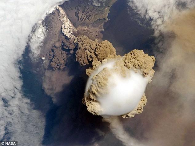 Volcano-Sarychev 2
