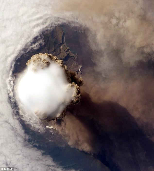 Volcano-Sarychev 3