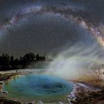 A Via Láctea sobre o Parque Yellowstone por Dave Lane