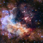 Imagem de 25 anos do Hubble mostra o magnífico aglomerado e berçário estelar Westerlund 2