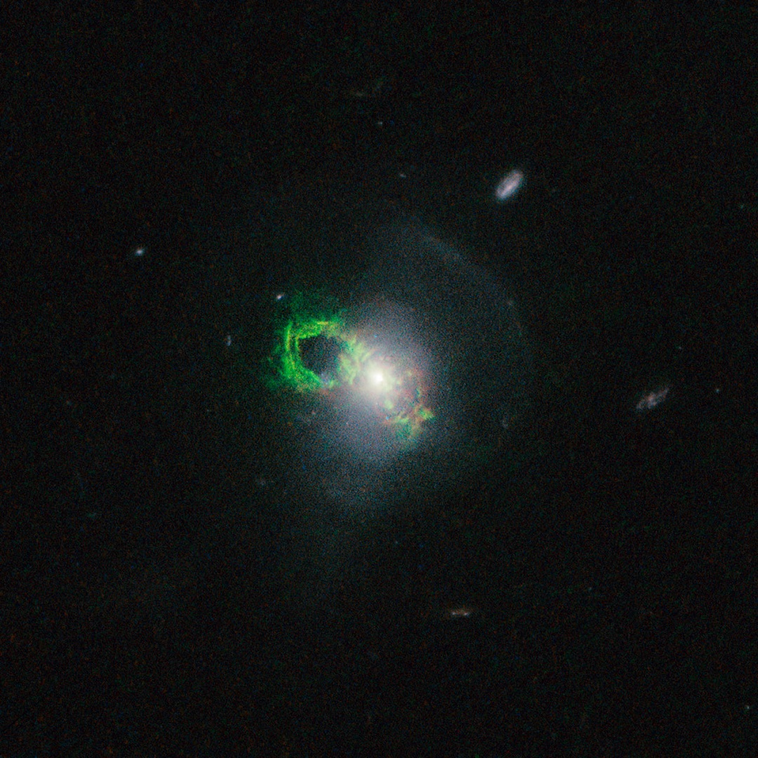 http://www.spacetelescope.org/static/archives/images/screen/heic1507b.jpg