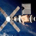 http://upload.wikimedia.org/wikipedia/commons/f/fa/Skylab_3_Close-Up_-_GPN-2000-001711.jpg