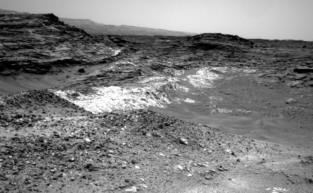 http://www.nasa.gov/sites/default/files/thumbnails/image/pia19663_rncam-sol991-1041.jpg