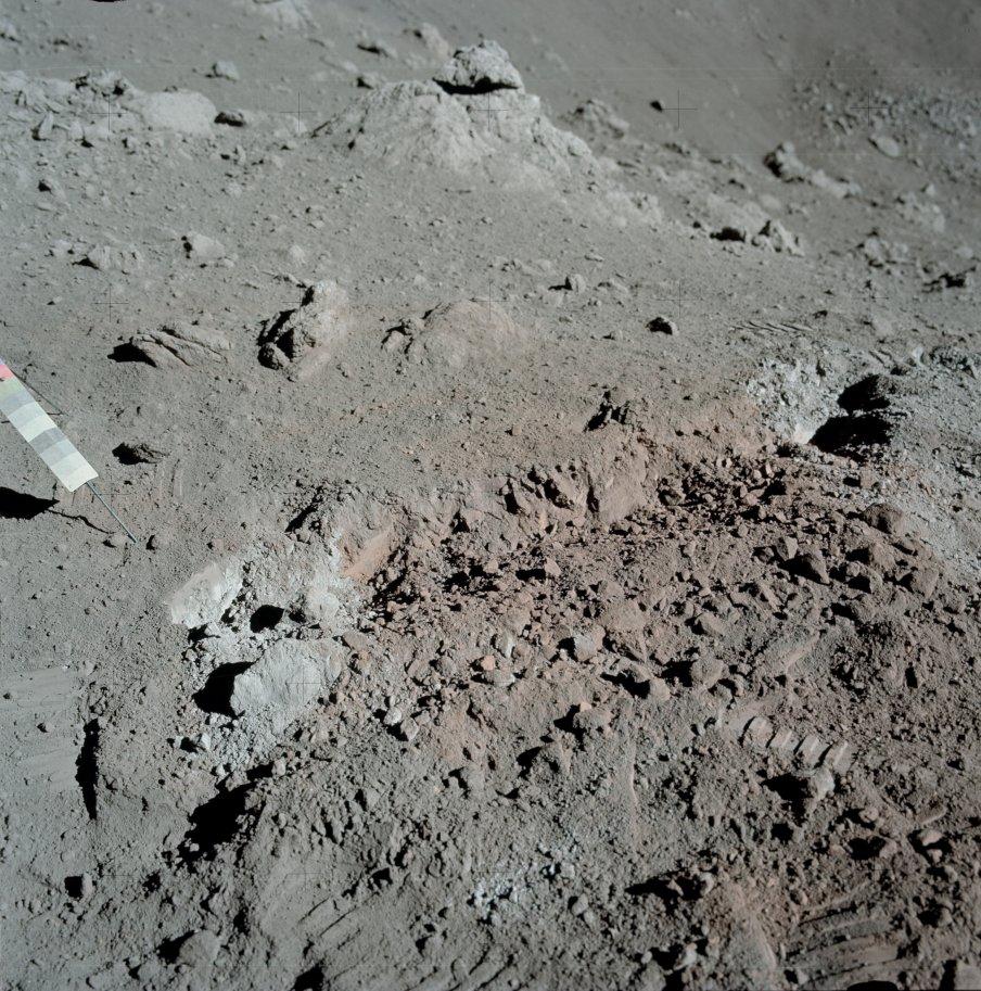 https://en.wikipedia.org/wiki/Shorty_(crater)