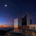 O telescópio ESO/NTT se refrescando em La Silla