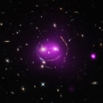 SDSS J103842.59+484917.7: Gato de Cheshire e os 100 anos da Teoria da Relatividade Geral de Albert Einstein