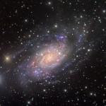 NGC 2403 na constelação da Girafa por Eric Coles e Mel Helm