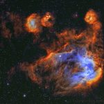 IC 2944: Estrelas e gases da Nebulosa de Lambda Centauri, conhecida popularmente como a 'Galinha Correndo'