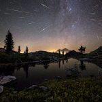 Meteoros das Perseidas sobre o Monte Shasta por Brad Goldpaint