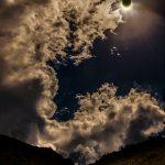 Eclipse anular solar na ilha La Réunion no Oceano Índico por Stephane Moser