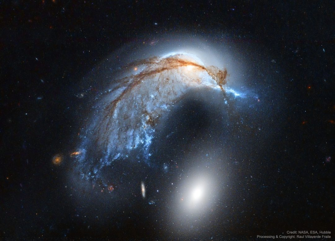 https://apod.nasa.gov/apod/image/1702/PorpoiseGalaxy_HubbleFraile_1300.jpg