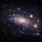 A portentosa galáxia espiral NGC 3621 capturada pelo ESO e Hubble, processada por Robert Gendler e Roberto Colombari