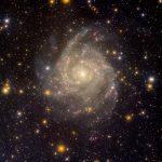 IC 342 – a galáxia escondida revelada